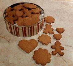 Az én pihe-puha mézeskalácsom Baby Food Recipes, Sweet Recipes, Cookie Recipes, Ginger Cookies, Hungarian Recipes, Baking And Pastry, Christmas Sweets, Holiday Baking, Creative Food