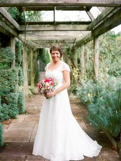 Glenstone Farm wedding ~ Jodi Miller Photography. Southern bride, Matilda, wears a custom #bridalgown from #ModernTrousseau.