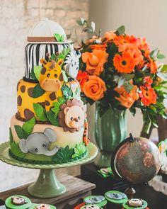 Safari Birthday Cakes, Safari Cakes, Safari Theme Party, Jungle Party, Baby 1st Birthday, Boy Birthday Parties, First Birthday Party Decorations, Balloon Decorations Party, Birthday Ideas