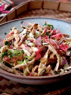 Chicken Kerabu ( Kelantan Peranakan Dish ) tried & tested (so delish! Appetizer Salads, Appetizer Recipes, Asian Recipes, Healthy Recipes, Ethnic Recipes, Filipino Recipes, Peranakan Food, Nyonya Food, Malay Food