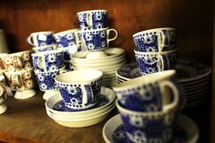 Old Arabia of Finland. Blue And White China, Blue China, Vintage Cups, Retro Vintage, Blue Dishes, My Cup Of Tea, Scandinavian Style, Earthenware, Finland