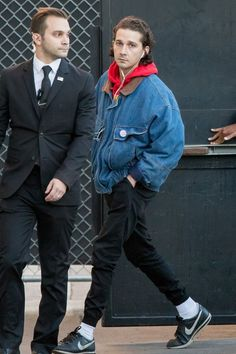 Shia LaBeouf - Makes an appearance on Jimmy Kimmel Live wearing Nike Sneakers | Looklive