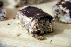 Healthy Snickers – Glow Kitchen