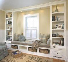 Foto: Traumhafte und gemütliche Sitzbank am Fenster. Das ist doch eine schöne Leseecke. Veröffentlicht von HobbyKoechin auf Spaaz.de