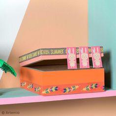 Para conseguir una decoración de la habitación de tus peques DIY, crea bonitas cajas de almacenaje cuadradas con tus colores preferidos. Sigue los pasos de este tutorial fácil, simple y rápido, ¡para conseguir un hogar a la moda y sobre todo A TU GUSTO!