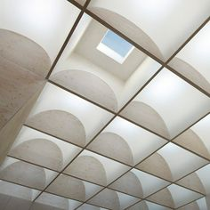 The Daylight House in Japan by Takeshi Hosaka Architects features 26 skylights that let in sunlight all day long. Light Architecture, Architecture Details, Interior Architecture, Sacred Architecture, Ceiling Detail, Ceiling Design, Skylight Design, Plafond Design, Timber Walls
