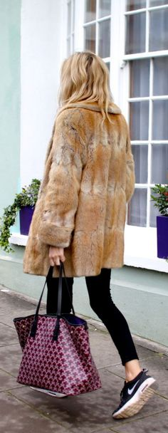 Faux  fur coats can be dressed up or down! Don't be afraid to wear these with your favorite sweaters, leggings a casual sneakers! How do you incorporate fur into your daily style during the fall/winter?