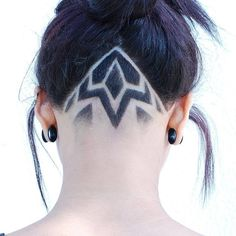 Shaved Undercut, Undercut Long Hair, Undercut Women, Undercut Hairstyles, Cool Hairstyles, Female Undercut, Updo Hairstyle, Wedding Hairstyles, Haare Tattoo Designs