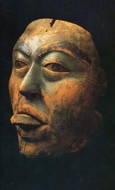 1182891f28b139719d6da062a07c9d5b.jpg (247×408)  Tlingit Shaman's Mask