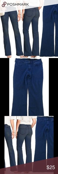 Wide Leg Jeans BANANA REPUBLIC Petites NWT 10P 14P Brand new with tag. Please refer to pictures for details and descriptions Banana Republic Jeans Flare & Wide Leg