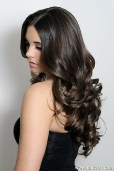 Gorgeous. I wish I had the patience to grow out my hair. I want this.