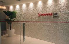 MAPFRE RE - Projeto em curvas da VG Arquitetura separa público e privado e convida usuário a entrar, em São Paulo, SP :: aU - Arquitetura e Urbanismo