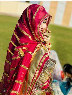 Rajasthani Bride, Rajasthani Dress, Saree Blouse Designs, Blouse Patterns, Rajputi Dress, Indian Bridal Outfits, Bridal Bangles, Dress Indian Style, Royal Dresses