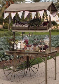 With rustic weddings and events still being trendy, this is the perfect… Candy Bar Vintage, Vintage Party, Bar Deco, Deco Table, Candy Table, Candy Buffet, Sweet Carts, Bar A Bonbon, Deco Champetre