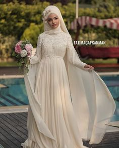 We prepare our highly demanded Fairy model in the desired colors. Muslim Wedding Dresses, Wedding Dress Chiffon, Short Bridesmaid Dresses, Bridal Dresses, Vintage Bridal Makeup, Vintage Bridal Bouquet, Wedding Makeup, Makeup Hijab, Bridal Headpieces