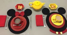 Mickey E Minie, Mickey Mouse, Napkins Set, Sewing, Knitting, Step Guide, Crochet Doilies, Place Mats, Crochet Blankets