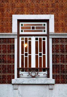 Lisboa. Avenida Novas. By Jaime Silva