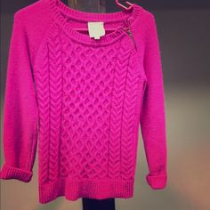 Sweater with zipper on collar Pink sweater with a zipper on the collar Sweaters Crew & Scoop Necks
