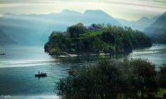 The Comacina Island was one of the most important religious nucleus of the diocese of Como.