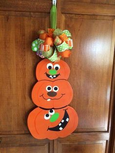 22 Awesome Fall Crafts for Kids Garden Crafts For Kids, Fall Crafts For Kids, Spring Crafts, Diy And Crafts, Paper Crafts, Manualidades Halloween, Adornos Halloween, Halloween Crafts, Happy Halloween