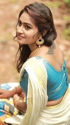 Beautiful Girl Indian, Beautiful Saree, Beautiful Women, Beauty Full Girl, Beauty Girls, Incredible India, The Incredibles, India Beauty, Girl Photos