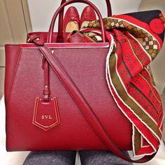 FENDI 2Jours, Hermès CDC Shawl, Chanel ballernias