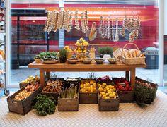 food merchandising, food displaying