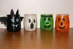 Photophores rigolos Diy Halloween Jars, Halloween Decorations To Make, Halloween Party Games, Halloween Crafts For Kids, Halloween Signs, Halloween Pictures, Outdoor Halloween, Halloween Activities, Halloween Art