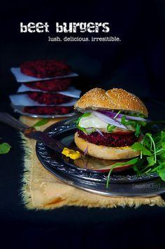 Burgeri de sfecla rosie - Andie A Food, Good Food, Beet Burger, Burgers And More, Happy Foods, Happy Family, Beets, Vegan Vegetarian, Food Processor Recipes