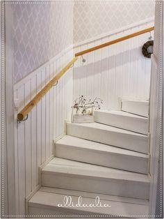 Kuvahaun tulos haulle yläkerran portaat
