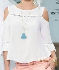Like the blouse & necklace. Casual Outfits, Cute Outfits, Fashion Outfits, Womens Fashion, Fashion Trends, Mode Top, Tee T Shirt, Mode Style, Dress Patterns