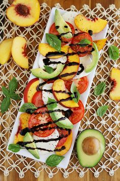 Peach and Avocado Caprese Salad - Salty, sweet, tangy and fresh! So easy and delicious with crusty bread + salad.