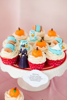 Fondant topped cupcakes at a Cinderella Party #Cinderella #partycupcakes