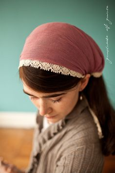head covering or head band, i really like this fabric
