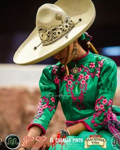 Mexican Costume, Mexican Outfit, Folklorico Dresses, Ballet Folklorico, Mexican Fashion, Ethnic Fashion, Mexican Style Dresses, Vestido Charro, Cowgirl Pictures
