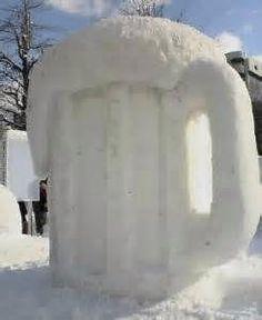 Snow mug of beer! Beer Memes, Beer Humor, Beer Brewing, Home Brewing, Cold Weather Funny, Beer Shot, Snow Sculptures, More Beer, Beer Company