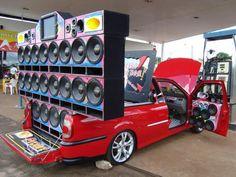 Resultados da Pesquisa de imagens do Google para http://www.baixandowallpapers.com/wallpapers/05-2012/carro-tunado-com-mega-som-saveiro-1336919680.jpg