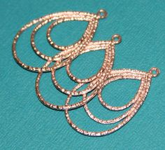 6 pcs of Gold Plated 3 layer teardrop 28x20mm