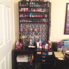 Diy Organization Bedroom For Teens Girls Storage Nail Polish 36 Ideas For 2019 Nail Polish Jewelry, Nail Polish Storage, Diy Nail Polish, Diy Nails, Bedroom Organization Diy, Jewelry Organization, Bedroom Storage, Storage Organization, Teen Decor
