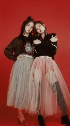Awesome Tips Girl Aesthetic Wallpaper : 30 trendy kpop aesthetic wallpaper blackpink Kpop Girl Groups, Korean Girl Groups, Kpop Girls, Blackpink Wallpaper, Trendy Wallpaper, Black Wallpaper, Lisa Park, Black Pink ジス, Magazin Covers