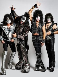 In grade 6 I went to my first rock concert that happened to be KISS. Since then they have become my favourite band and classic rock has become my favourite genre of music. Kiss Band, Kiss Rock Bands, Rock And Roll Bands, Paul Stanley, Kiss Musik, Kiss Group, Kiss Costume, Gene Simmons Kiss, Kiss Pictures