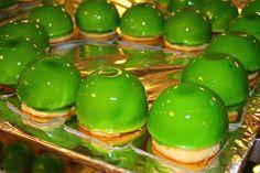 Радуем наших гостей умопомрачительными десертами / Delighting our guests with breath-taking desserts! #parkinn #hotelpribaltiyskaya #stpetersburg #banquets #meetings #delicious #delight #desserts