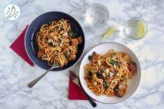 Linguine Piquantes au Poulet Sauce Tomate Crémeuse Spaghetti, Ethnic Recipes, Photos, Food, Poultry, Rice, Kitchens, Pictures, Essen