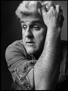 Jay Leno by Mark Seliger.i think he's pretty funny.i like watching the beginning of the tonight show.jay cracks some funny jokes. Famous Men, Famous Faces, Famous People, Inside The Actors Studio, Mark Seliger, Black And White People, Actor Studio, Popular People, Man Humor
