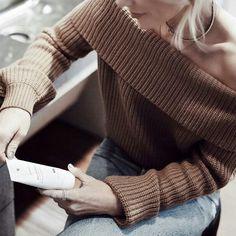 """""""Studio off shoulder pullover, it should be grey, what do u think?"""" #studio#basic#offshoulder#pullover#shouldbegrey"""
