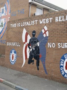 Belfast...murals everywhere depicted their troubled history