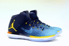 Take a look at the Air Jordan 31 Marquette PE which feature's the school's team colors throughout the shoe. Latest Sneakers, Sneakers Fashion, Sneakers Nike, Boys Shoes, Me Too Shoes, Men's Shoes, Jordan 31, Michael Jordan, Reebok