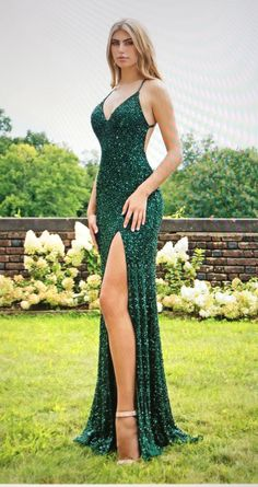 Sexy emerald green sequin prom dresses with slit. - - Sexy emerald green sequin prom dresses with slit. Sparkly Prom Dresses, Green Formal Dresses, Open Back Prom Dresses, Mermaid Prom Dresses, Formal Evening Dresses, Dance Dresses, Dress Formal, Green Sparkly Dress, Party Dresses