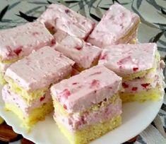 Vegan Raspberry Cheesecake Bars - A healthy, fruity and delicious Raw Vegan Raspberry Cheesecake Bar, perfect for Valentine's Day! Köstliche Desserts, Delicious Desserts, Dessert Recipes, Slow Cooker Desserts, Raspberry Cheesecake Bars, Vegan Kitchen, Vegan Cake, Vegan Treats, Yummy Drinks
