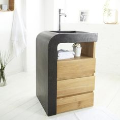 Designed for smaller bathroom's, this enchanting wash unit combines a smooth terrazzo washbasin, with a natural, solid teak cabinet<br/>The teak washstand has 3 drawers. The Mary Mei Wash Unit can bring the elegance of Italian design to your bathroom!<br/><br/>Each of the manufacturer's creations comes from craft production, and thus stands for authenticity. Any imperfections add to the charm of the product and are an expression of the individual hand ...